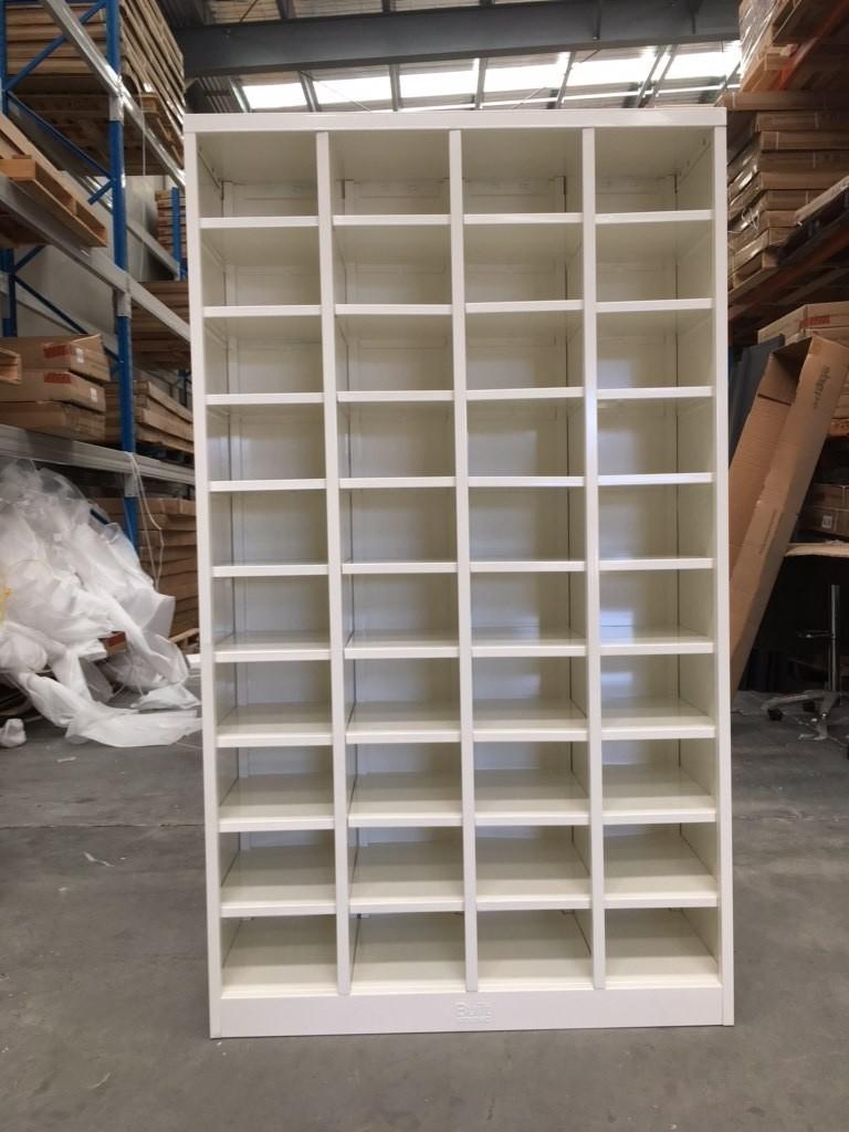 Metal Pigeon Hole Shelving Unit 40 Holes White